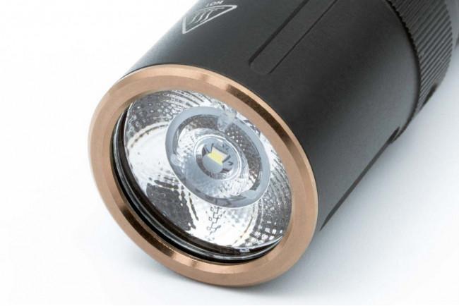 Fenix E12 V2.0 Lampe de poche EDC ultra-compacte à piles AA - 160 lumens