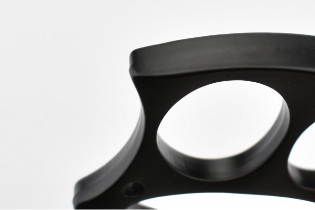 Max Knives PA6B - Poing américain métal chromé noir